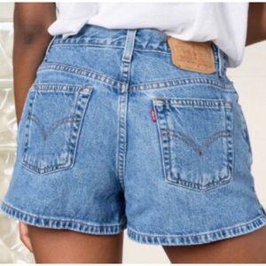 VTG 90's Levi's High Waisted Denim Shortie Shorts